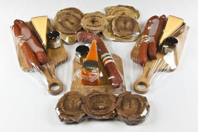 Gravírované prkýnko, dřevěné gravírované podtácky