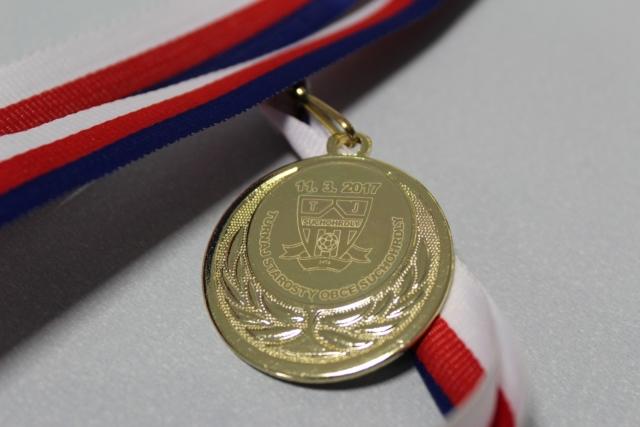 medaile gravírování loga